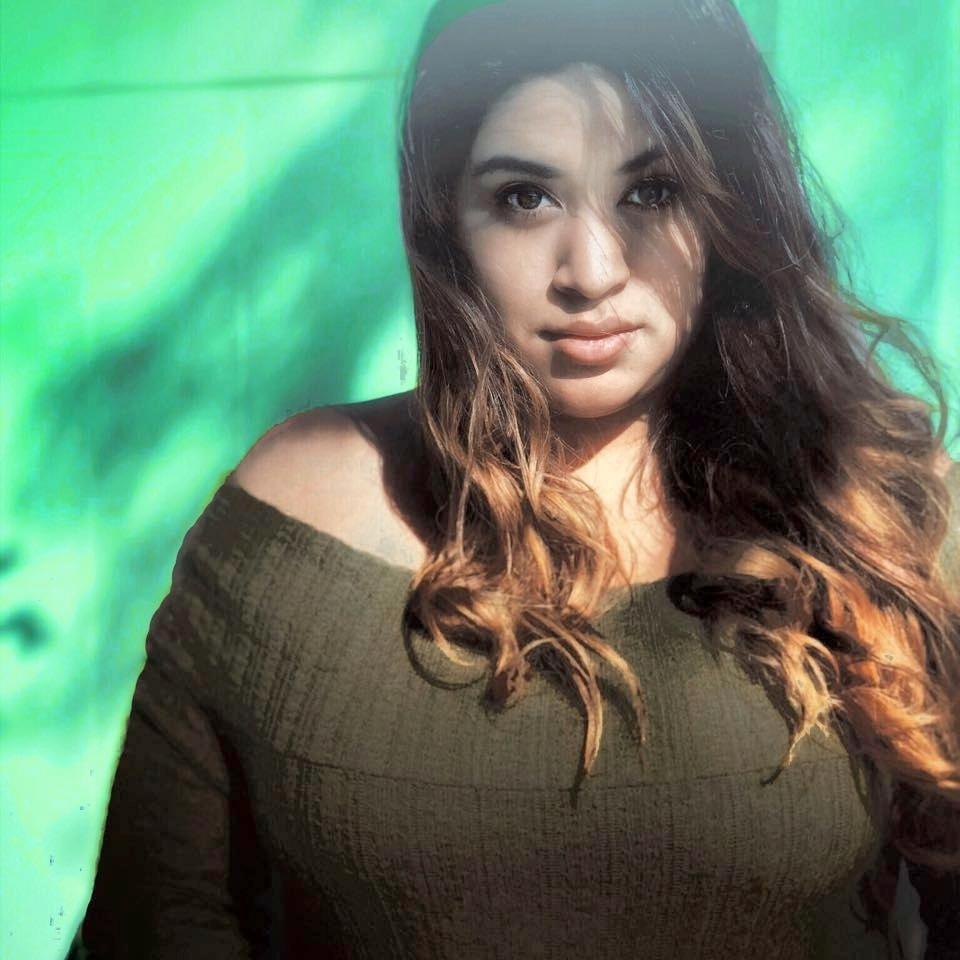 Ashley Andra - Utah CreativeGuilty Pleasures : Musicals & Hot ChettosSkills: Tech SavyMusic: ALL GENRES