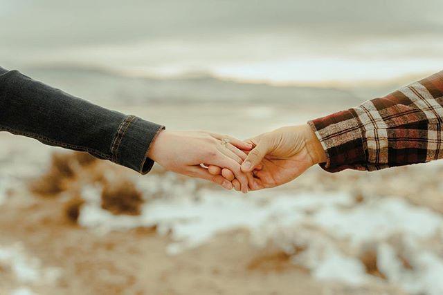 💍 📸 . . . . . #engaged #shesaidyes #utahcouples #loveportraits #adventurousstorytellers  #utahbrides #engagements #utah #lovebirds #loveandwildhearts #lookslikefilm #portraitcollective #authenticelovemag #getoutdoors #airforcewife #utahisrad #theknot #arizoniaweddings #adventurousstorytellers #loveandwildhearts
