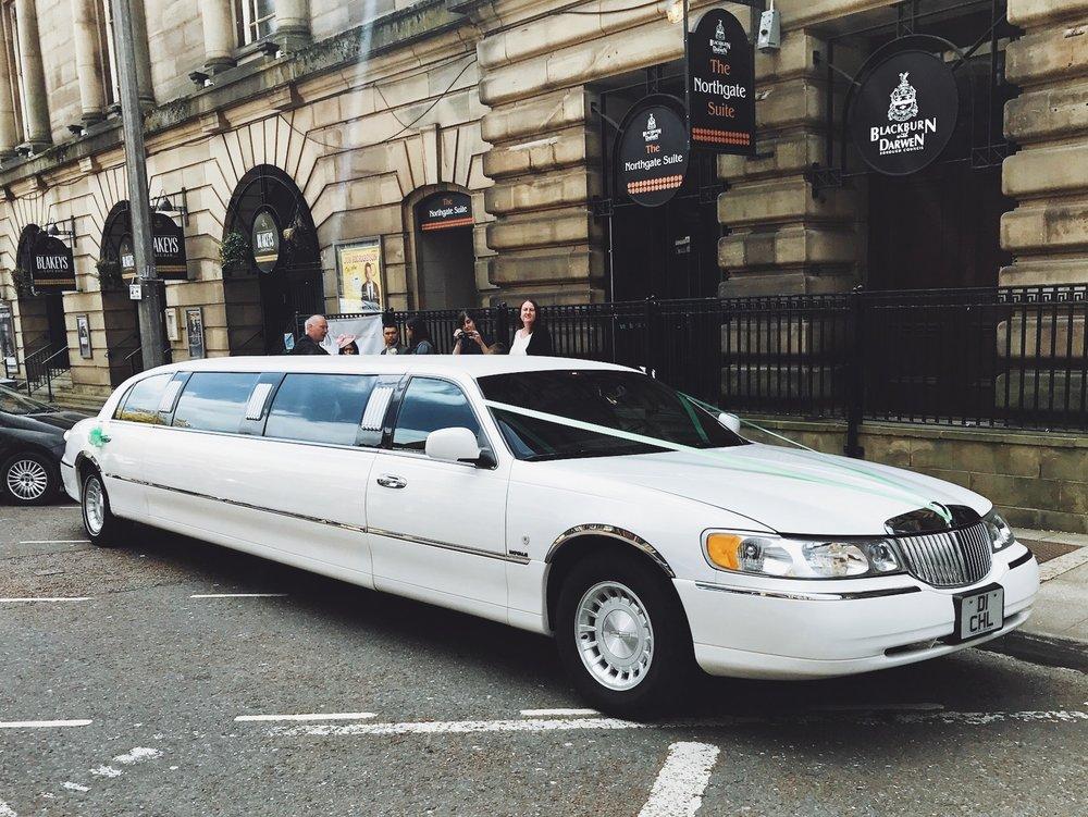 lincoln-limousine-blackburn-town-hall
