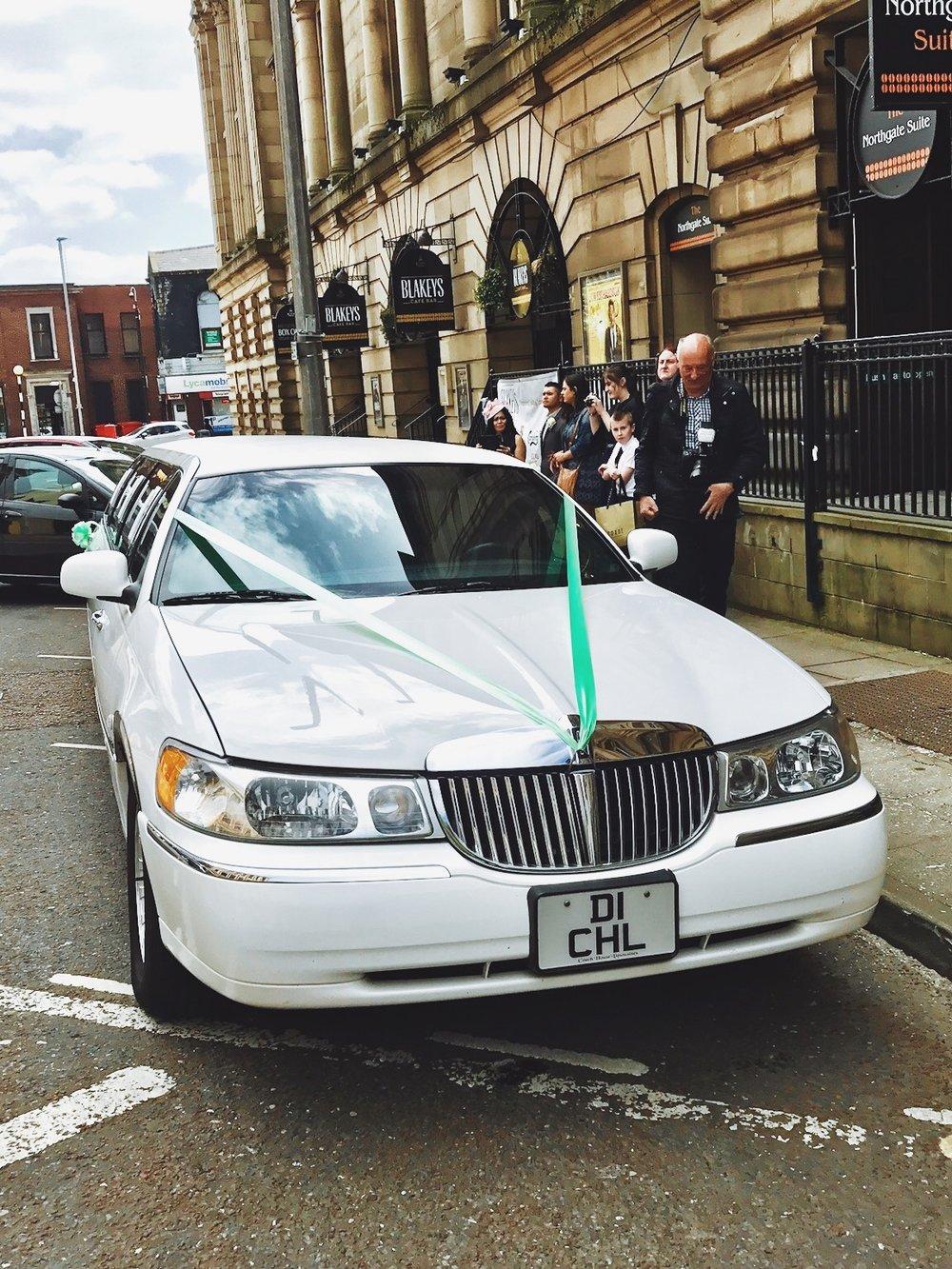 lincoln-limousine-white-blackburn
