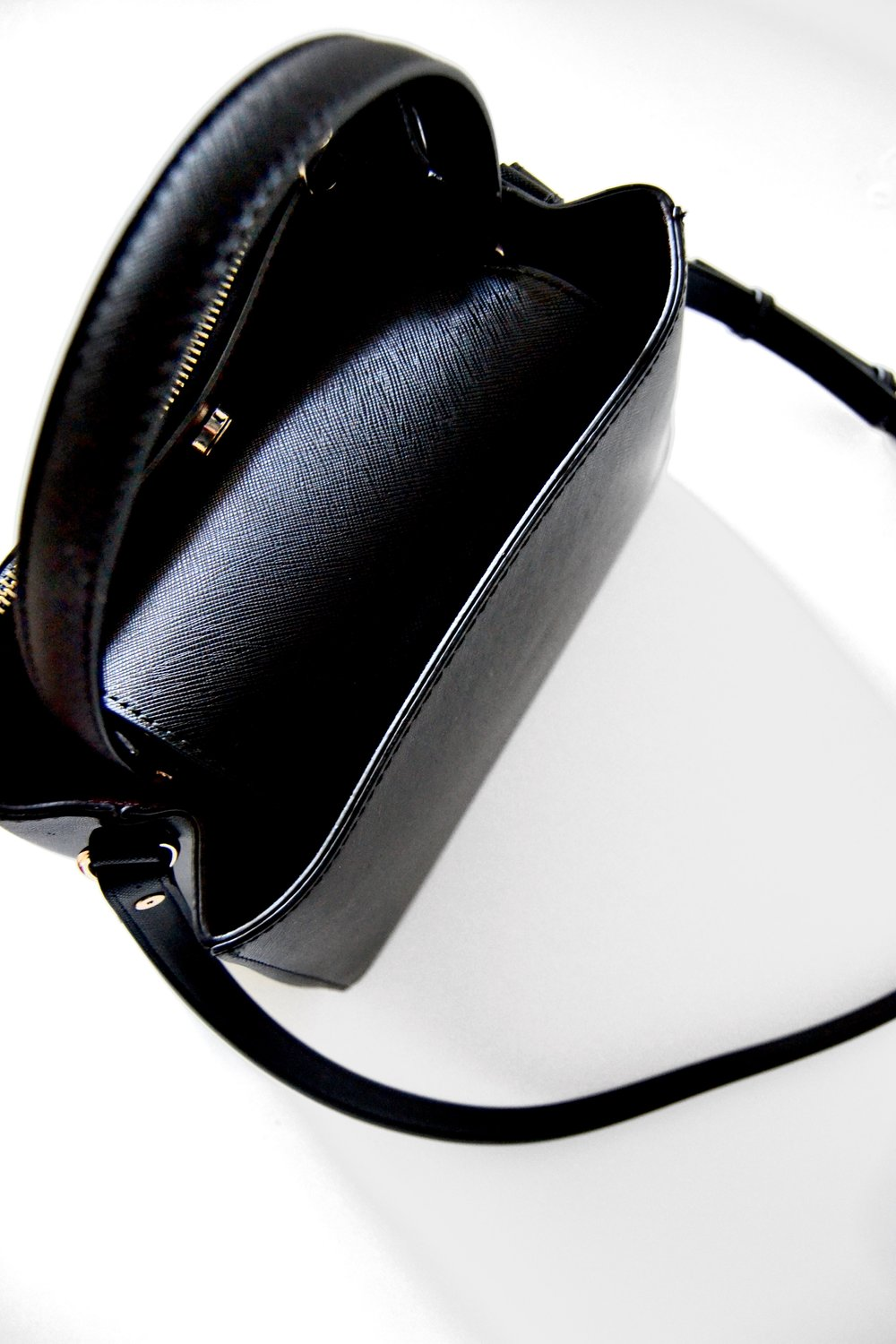Bag from Zara - I am currently using the medium-sized shopper from Zara. It is also available in red and light grey.