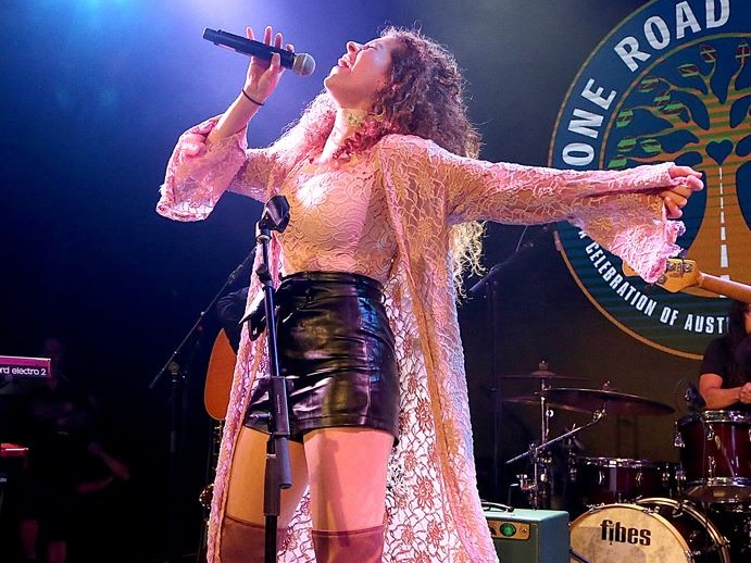Lesly Reynaga en vivo en One Road Austin, 3TEN ACL Live