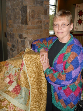 Pam with raffle quilt