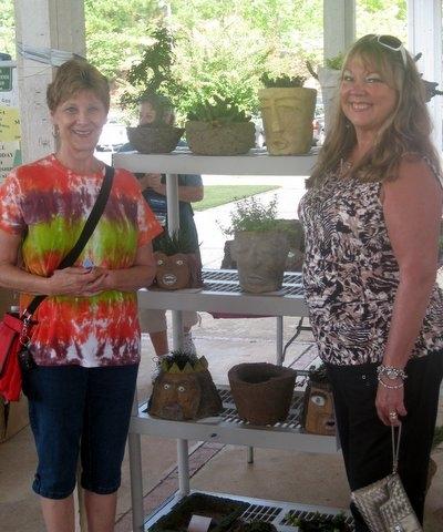 Lynda Waters and Sandy Boring shopping at Expo