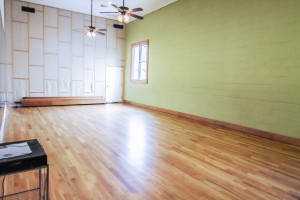 Studio 2 - Oak Overlay FLOOR (CAN BE USED FOR TAP DANCING OR FLAMENCO)
