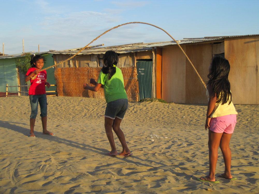 Ludotecas en los asentamientos humanos de Piura -