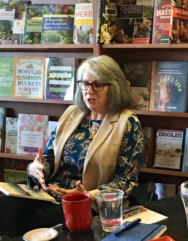 Sponsored a Poetry Workshop presented by Aliki Barnstone, Missouri Poet Laureate. - Apr '18