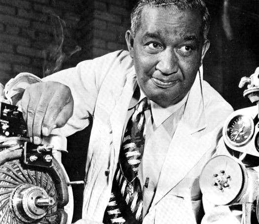 Fedrick-McKinley-Jones-black-inventors-black-history-for-kids-afro-latina-blogger-multicultural-family-blogger-negra-bohemian