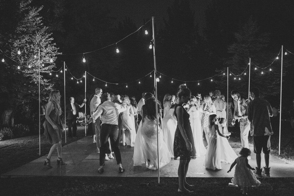 Linden-Gardens-Kaleden-Wedding-Vancouver-2.jpg
