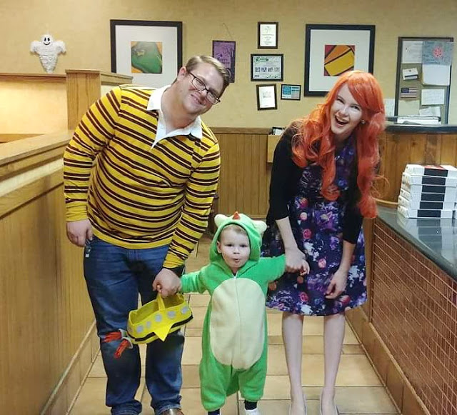 MAGIC SCHOOL BUS COSTUMES  sc 1 st  Sew Very Lovely & Trick or Treat: Our DIY Family Halloween Costumes (Hint: It Involves ...