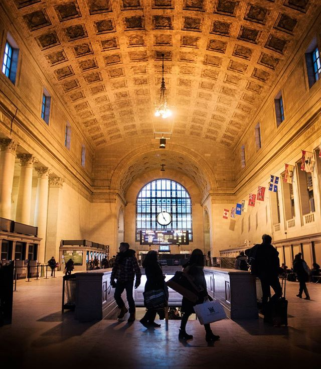 It is great to see places like this restored. Toronto union train station.  #torontophotographer #toronto #unionstation #creatorclass #creativelive #creativr #6tour #curiosityto #streetsoftoronto #torontovideographer #film #photographer #architecture #restoration #ptbo #ptbocanada #ontario #canada #torontolife #explorecanada #enjoycanada #6ixwalks #hypetoronto #imagesofcanada #tourcanada #imagesoftoronto #seetoronto #torontophoto #torontosworld