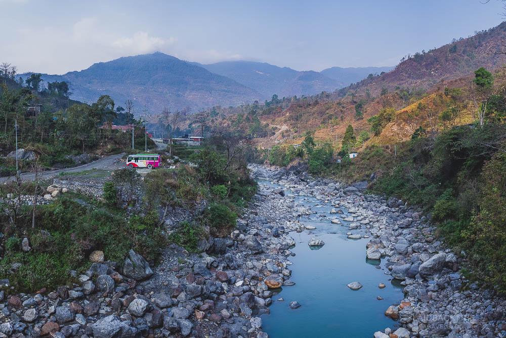 annapurna circuit trekking   marshyangdi valley   marshyangdi river   bhulbule   besisahar to chame   part 1   collage 1   laidback trip