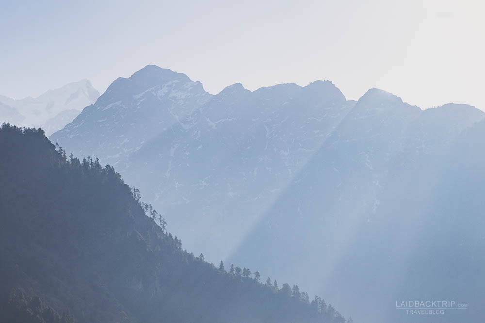 annapurna circuit trekking   manaslu valley   manaslu mountain   besisahar to chame   part 1   laidback rip