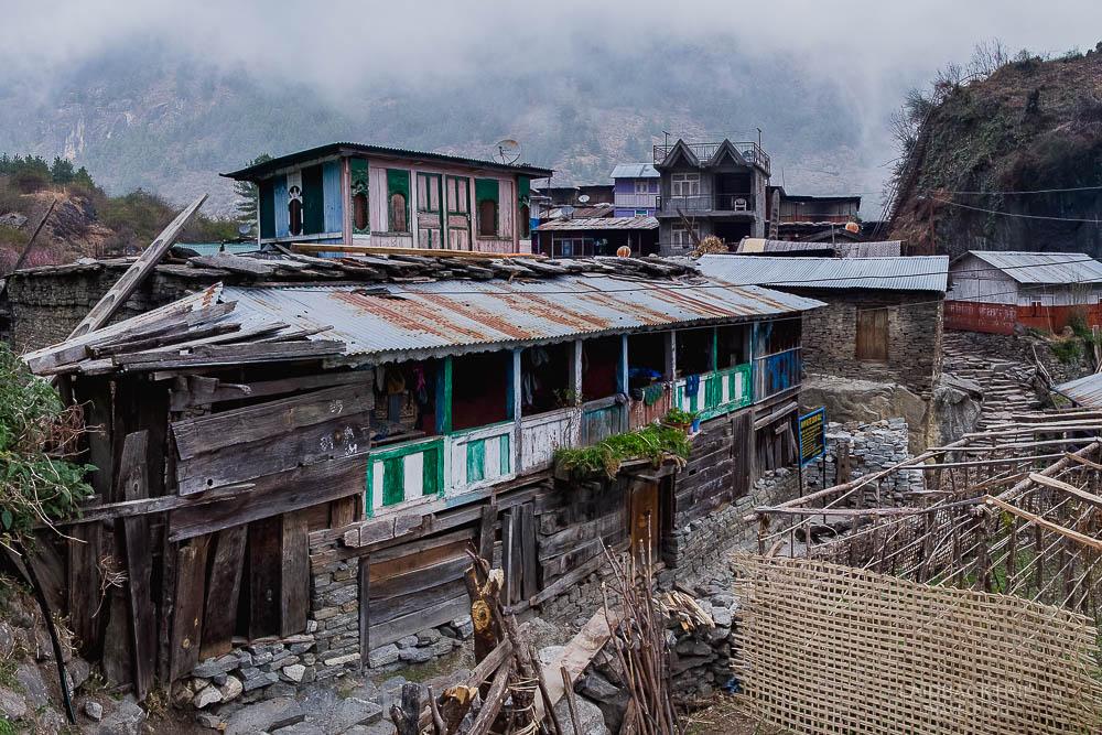annapurna circuit trekking   odar village   himalayas   bagarchap   besisahar to chame   part 1   laidback trip