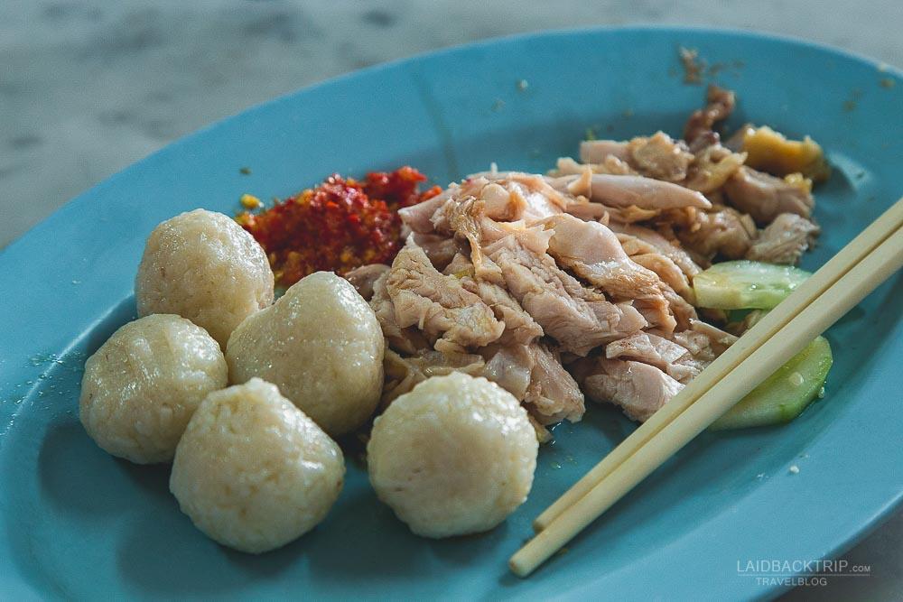 melaka guide | melaka eating out | malaysia cuisine | melacca | chicken riceballs | laidback trip