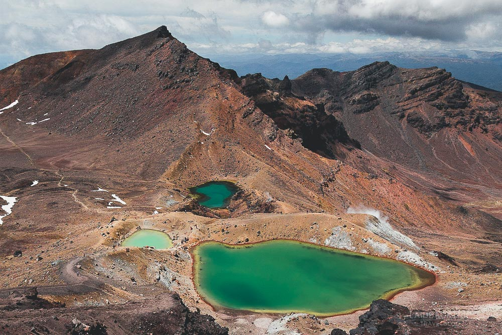 tongariro alpine crossing | tongariro northern circuit | best 5 hikes in new zealand | best treks new zealand | laidback trip