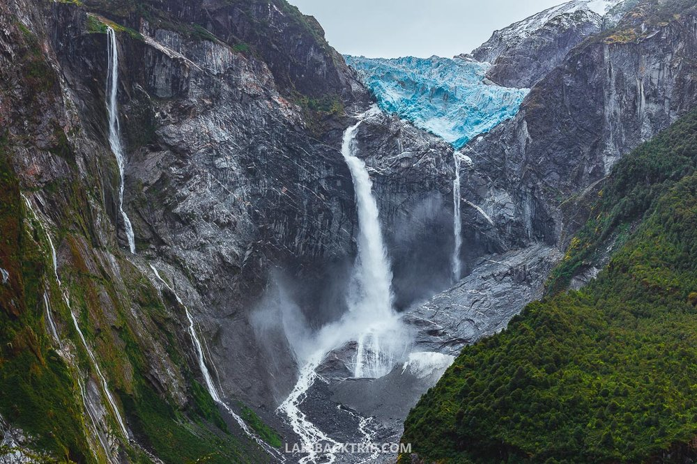 The best things you can do on your Carretera Austral road trip is to visit the Hanging Glacier in Queulat National Park, also known as Ventisquero Colgante.
