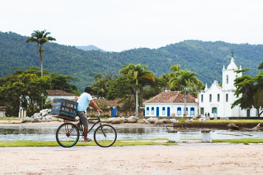 Many travelers visit Paraty every year, that's why we've created this travel guide.
