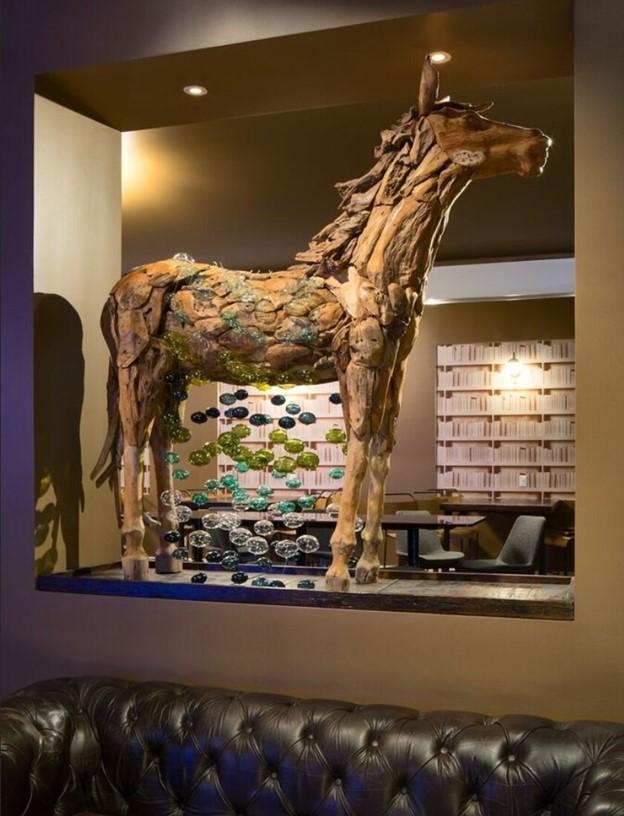 ARIA HORSE.jpg