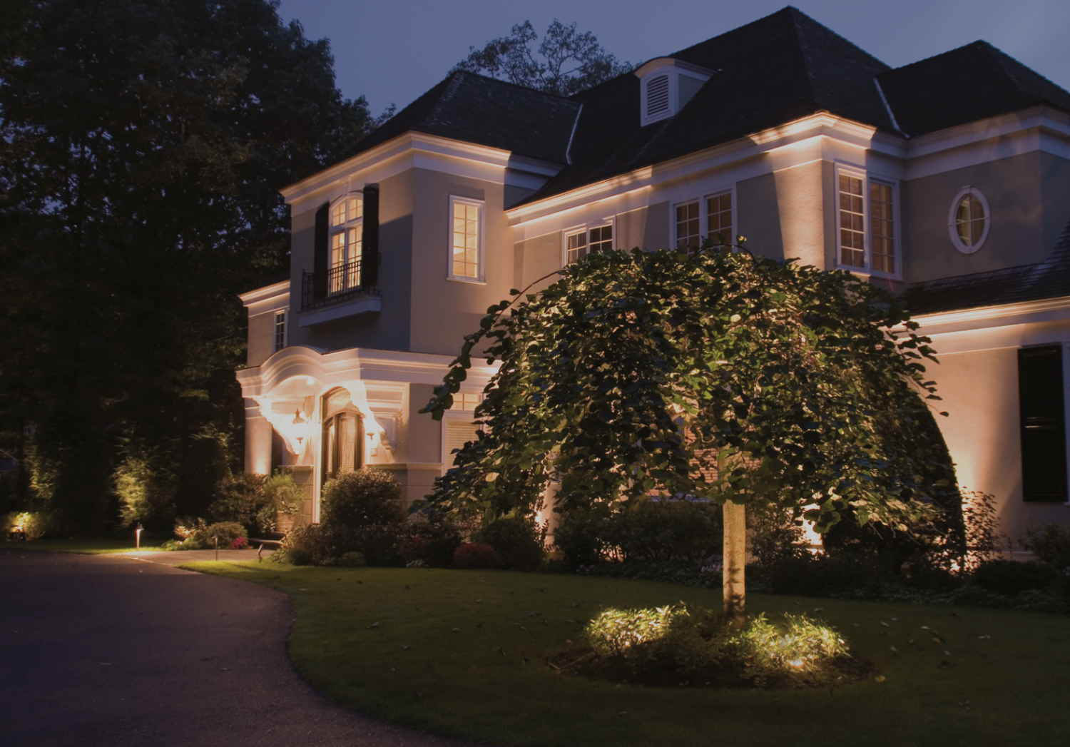 Scarsdale ny landscape lighting outdoor lighting company blue landscape lighting in scarsdale ny mozeypictures Choice Image