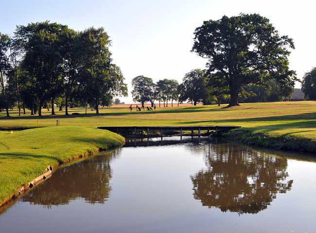 Vadstena Golfklubb - En vacker och välskött golfanläggning som oftast ståtar med Östergötlands absolut bästa greener.