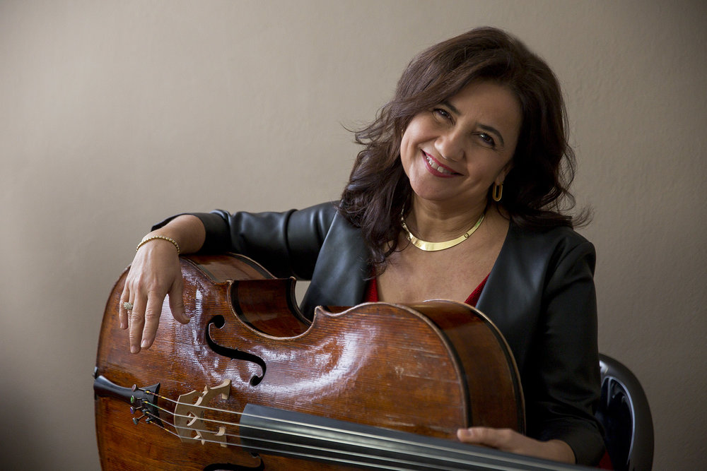 Silvia Chiesa cello - sitted