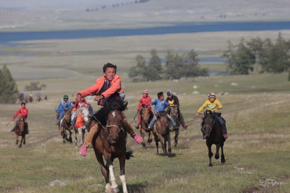 horse_races-0288_ie5agy.jpg