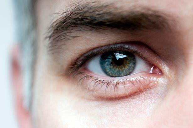 Mans-eye-close-up.jpg