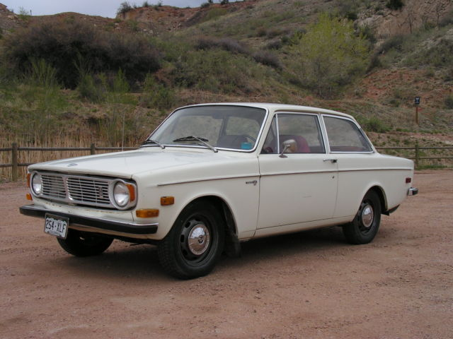 1968 Volvo 142S with reinforced roof support