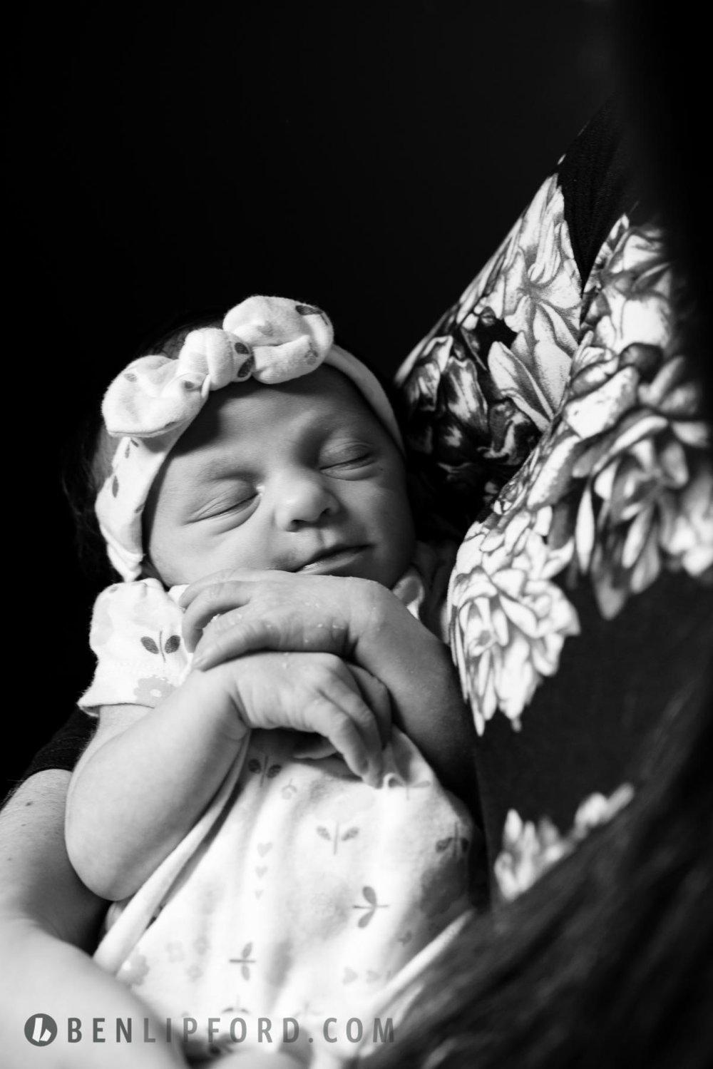 Elizabeth Dalton Newborn HITL (9 of 12).jpg