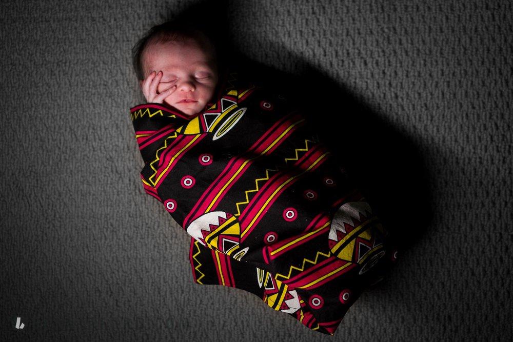 Elizabeth Dalton Newborn HITL (10 of 12).jpg