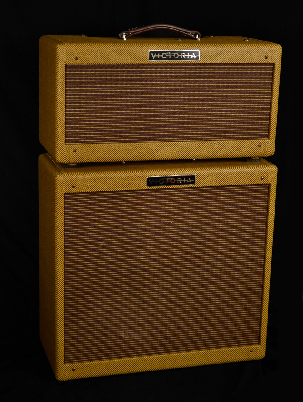 Victoria Double Deluxe   Like two Deluxes in one cabinet, featuring four 6V6GT's.