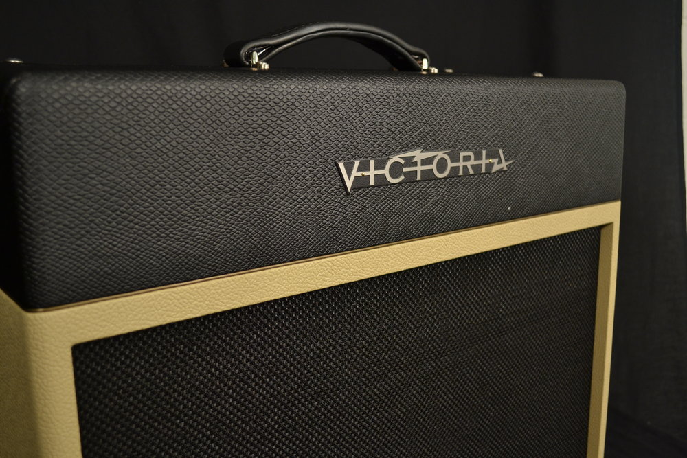 Victoria Silver Sonic   The dual 6V6 powered Silver Sonic features the classic 5F6-A architecture combined with 100% tube reverb and harmonic filter vibrato all in a 1X12 combo cabinet.