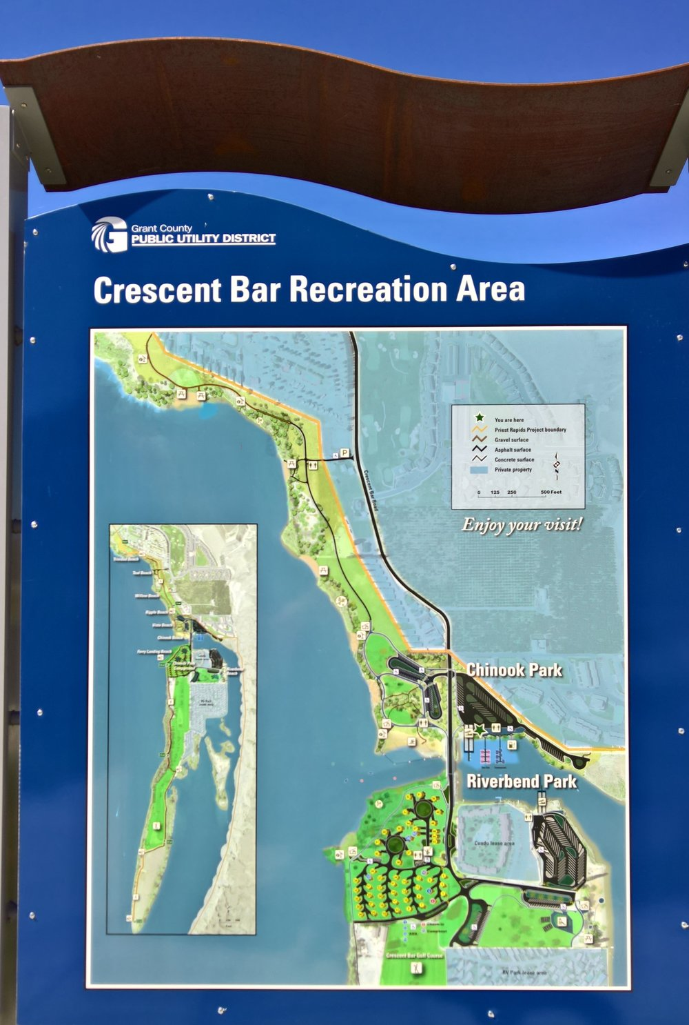 The signage at the on-island boat ramp prep area has maps of the CB area and illustrates recreation areas from Priest Rapids in the south, to Rock Island dam in the north.