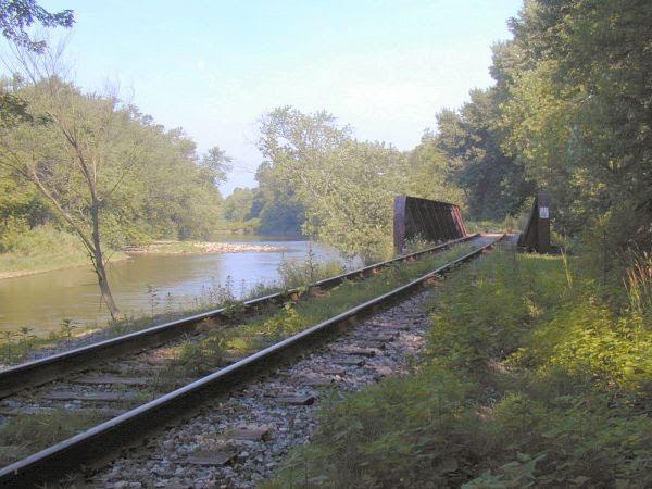 train-trussel-over-sugar-creek.jpg