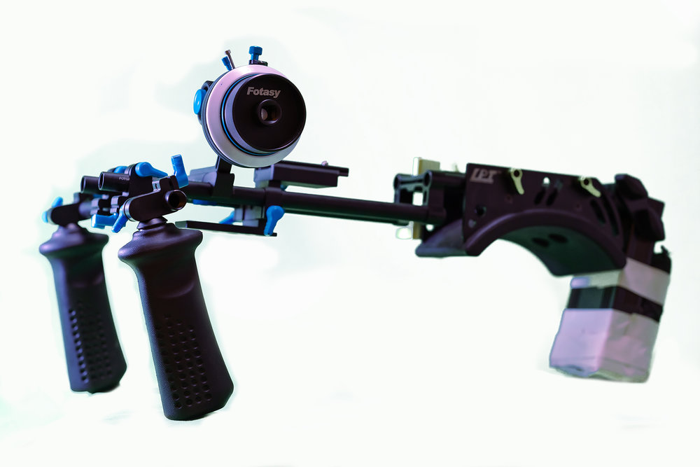 shoulder rig.jpg
