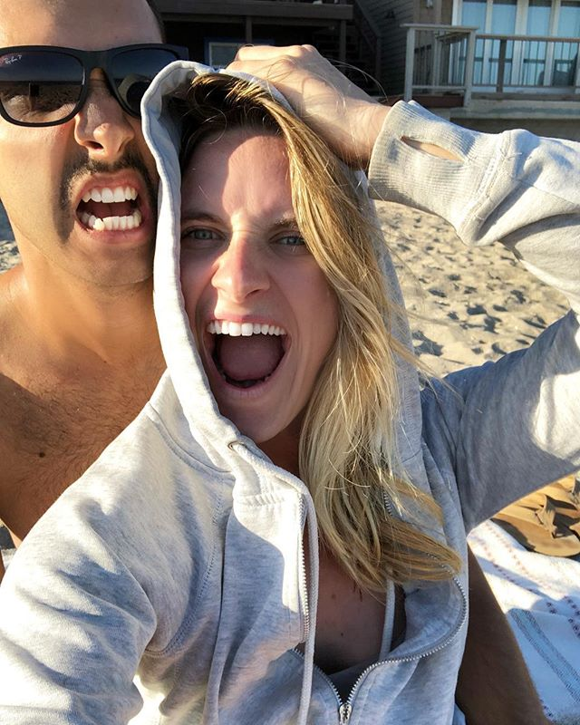 It's MONDAY! Who else felt like that weekend went by way too fast?!? But happy I was able to squeeze in some beach time with my boo.  Currently writing on the blog 5 easy date ideas that are great for the busy bees.  #clubwildheart #totalbliss #mondayblog