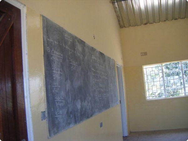 classroom_a_5_15-143-600-450-80-rd-255-255-255.jpg