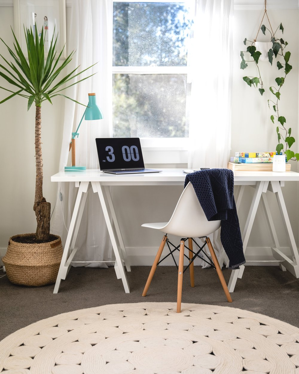 A clear working space helps you focus on what's important.