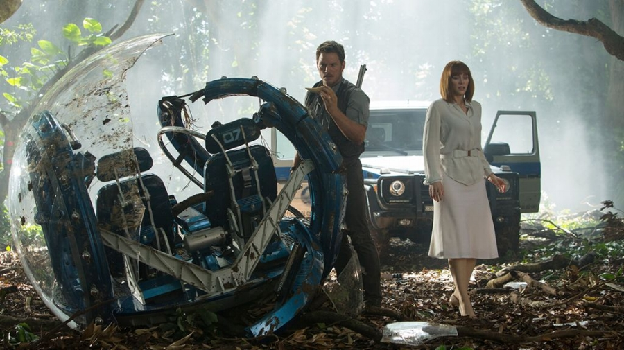 Chris Pratt and Bryce Dallas Howard do a good job with the material they're given, but the movie doesn't concern itself with delving too deeply into who they are beyond their jobs. It's the kids that are the primary character focus here.