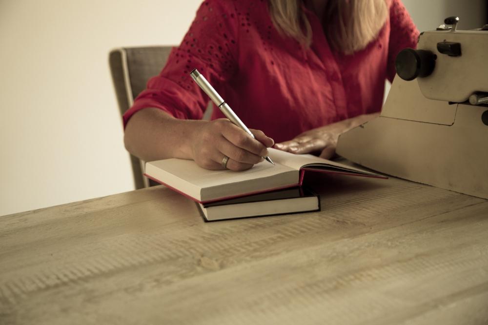 Aan de keukentafel - Samen gaan wij jouw administratie grondig doornemen en zo je droomdoel waarmaken!