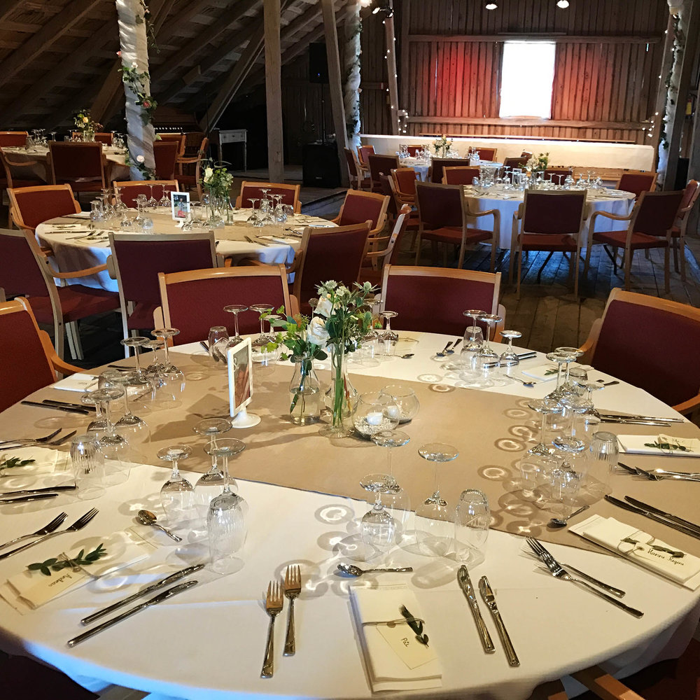 Geiteberg låve bryllup bord pynt 18.jpg