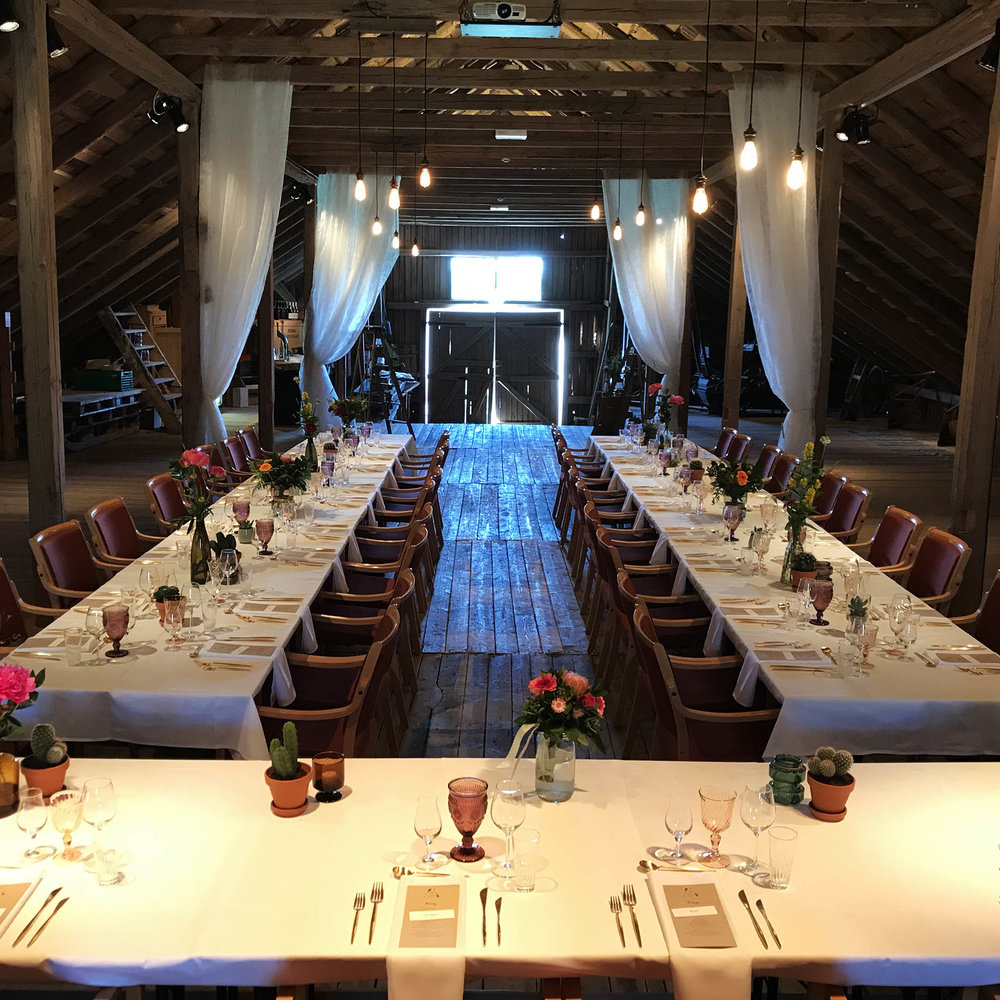 Geiteberg låve bryllup bord pynt 23.jpg