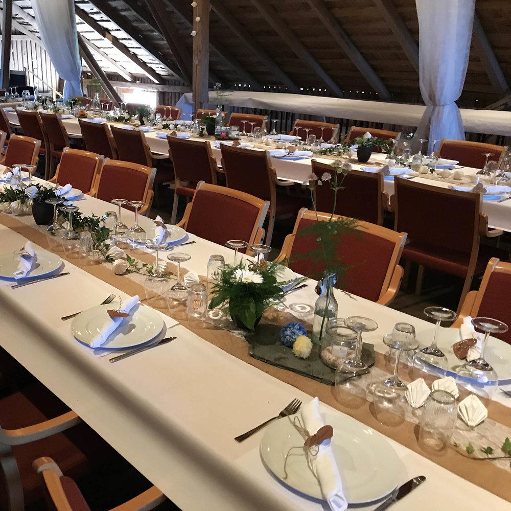 Geiteberg låve bryllup bord pynt 39.jpg