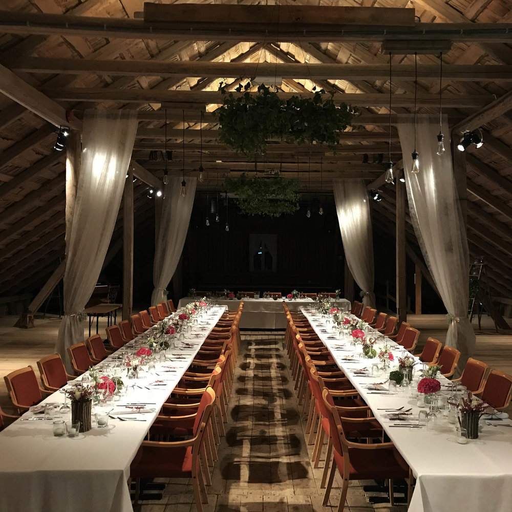 Geiteberg låve bryllup bord pynt 31.jpg