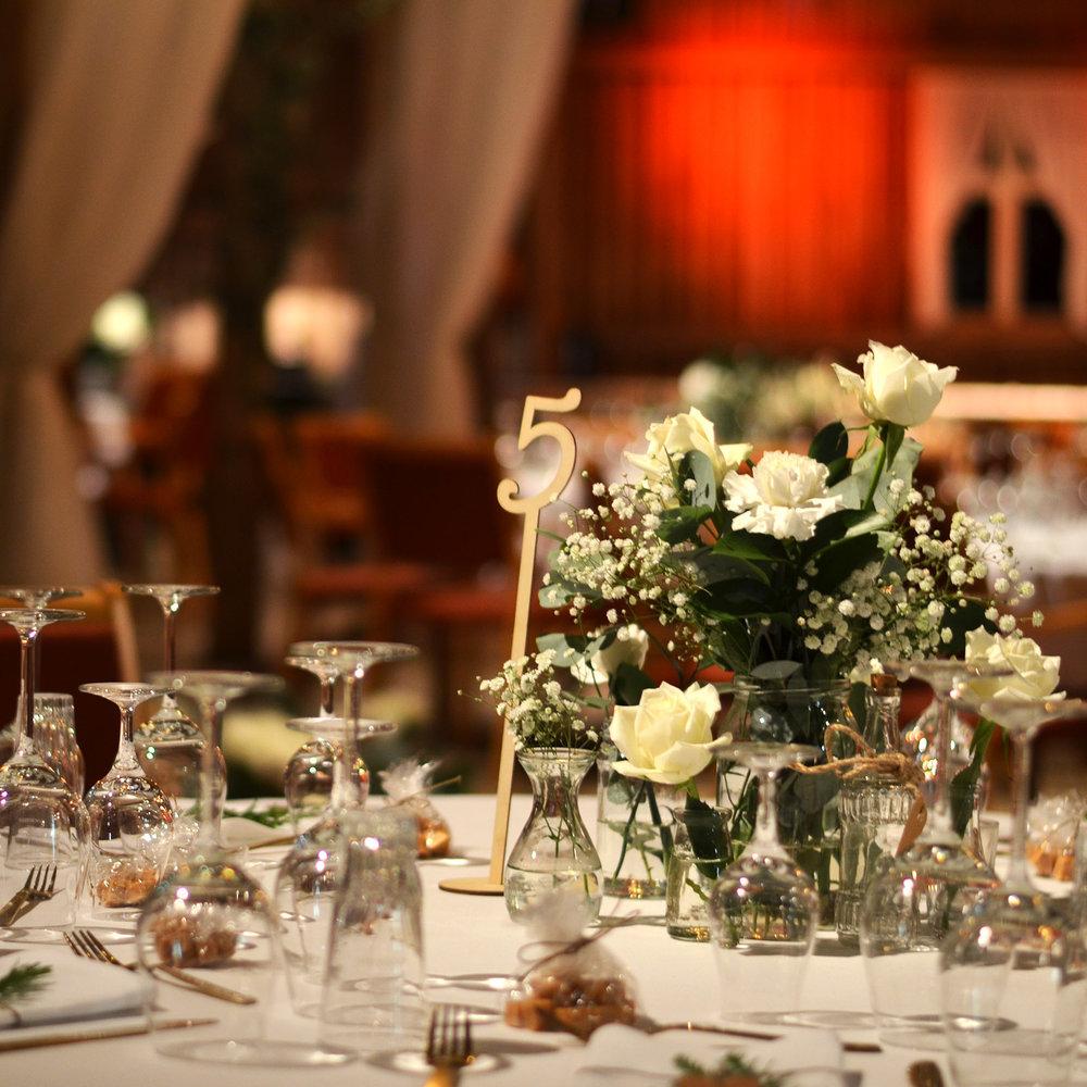Geiteberg låve bryllup bord pynt 37.jpg