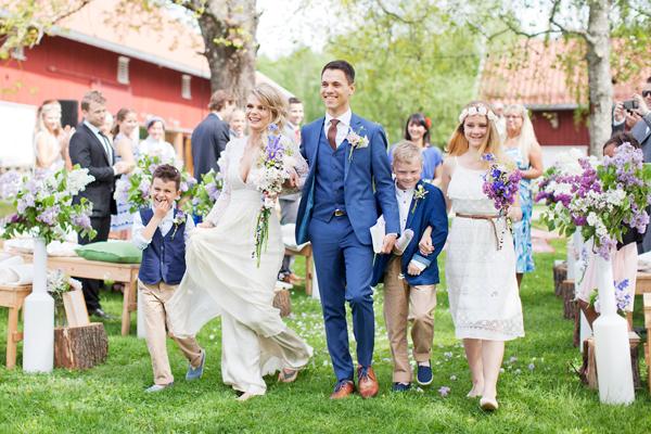 bryllupsfotograf_annemargrethephotography_oslo_norge_laavebryllup_bryllupsinspirasjon_barnwedding_leilahafzi_brudekjole_bryllup_33.jpg