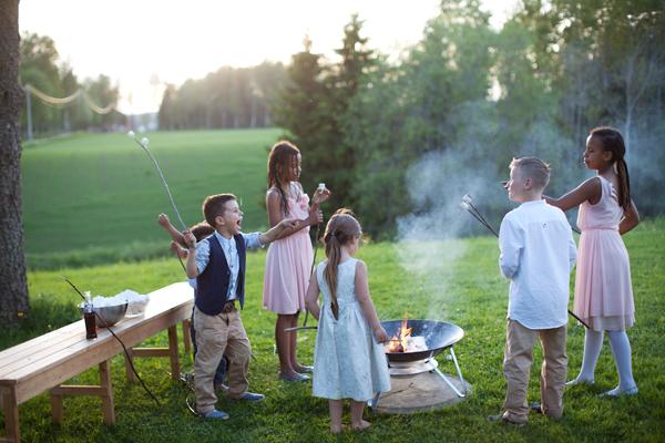 bryllupsfotograf_annemargrethephotography_oslo_norge_laavebryllup_bryllupsinspirasjon_barnwedding_leilahafzi_brudekjole_bryllup_81.jpg