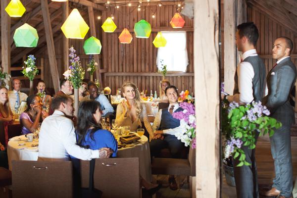 bryllupsfotograf_annemargrethephotography_oslo_norge_laavebryllup_bryllupsinspirasjon_barnwedding_leilahafzi_brudekjole_bryllup_63.jpg