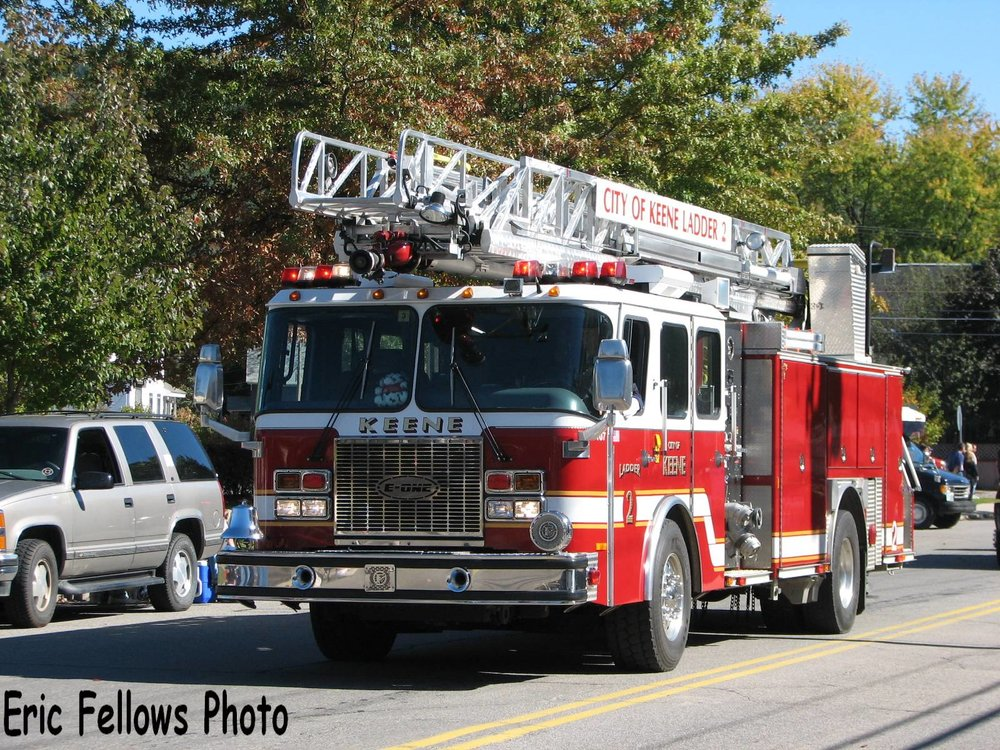 Keene, NH 19 Ladder 2 (2001 E-One)_314026740_o.jpg